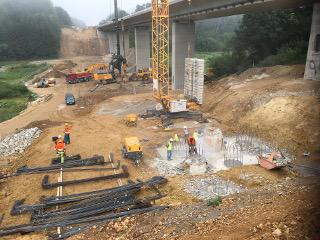 Pfahlherstellung beim Neubau Eisenbahnbrücke Emskirchen